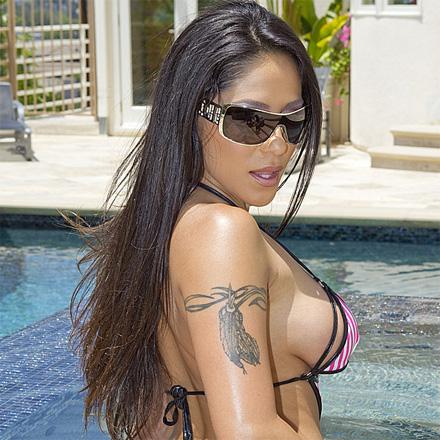 Perfect ass latina gets her ass creamed